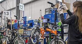 מפעל האופניים ברומפטון  לונדון, צילום: בלומברג