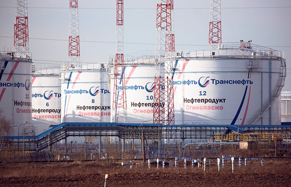 מכליות נפט סמוך למוסקבה, באפריל