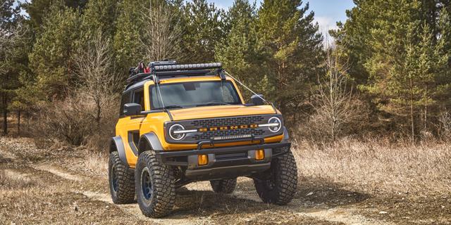 פורד חושפת את הברונקו: רכב שטח קשוח שיתחרה בג'יפ רנגלר