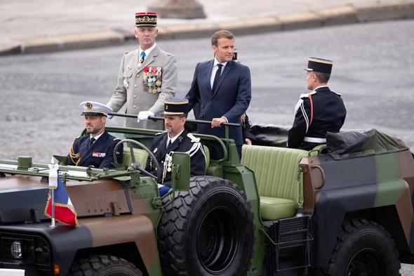 עמנואל מקרון היום במצעד בפריז לרגל יום הבסטיליה, צילום: אם סי טי