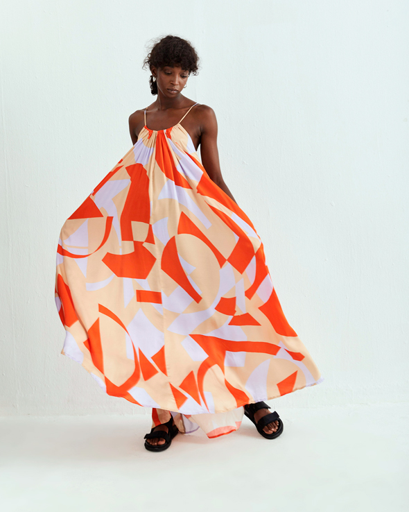 שמלה של OMä. מותג חדש ומרענן, צילום: דוד שרון