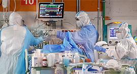 מחלקת קורונה בבית החולים שיבא, צילום: איי אף פי