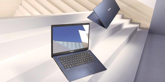 אסוס משיקה מחשב נייד מנצח לקהל העסקי