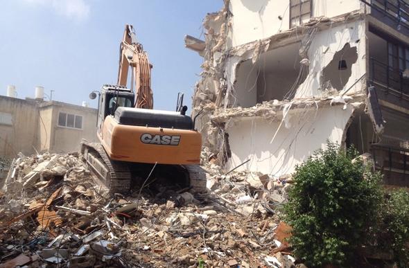"""פרויקט הריסה ובנייה מחדש בגבעתיים שליווה משרדו של עו""""ד גיא יקותיאל"""