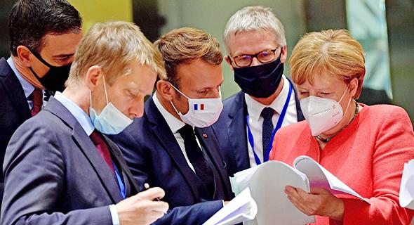 """קנצלרית גרמניה אנגלה מרקל, נשיא צרפת עמנואל מקרון ור""""מ ספרד פדרו סנצ"""