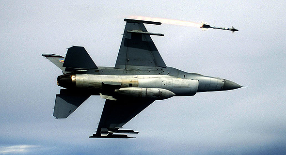 F16 משגר סיידוויינדר, צילום: USAF