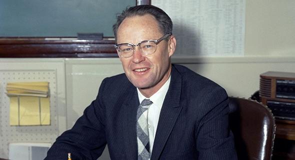 וויליאם ב. מקלין, אבי הטיל המונחה, צילום: donhollway