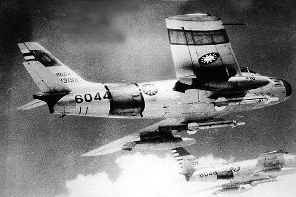 מטוסי טיוואן עם טילי סיידוויינדר, צילום: SINA