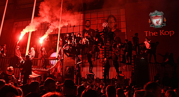 החגיגות של אוהדי ליברפול, אמש