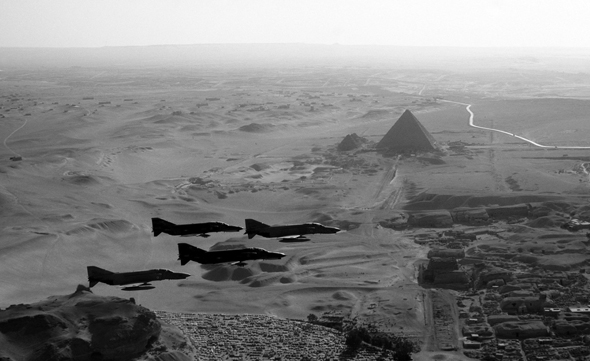 פאנטומים מעל מצרים