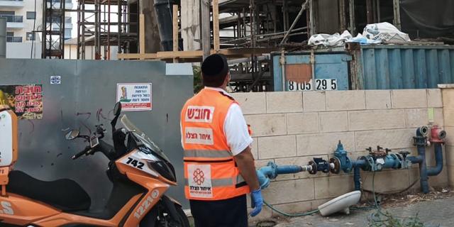 פועל נהרג בנפילה באתר בנייה בחדרה