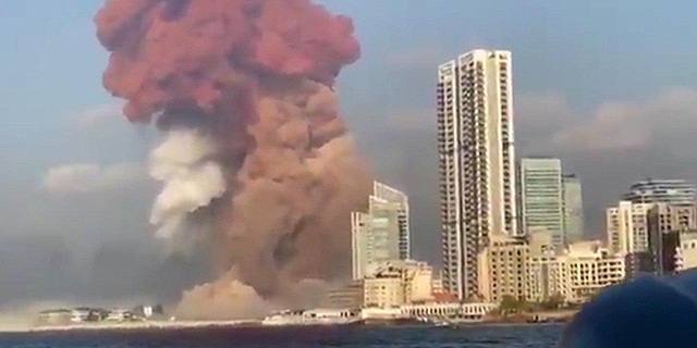 עשרות הרוגים וכ-3,000 פצועים בפיצוץ אדיר בנמל ביירות