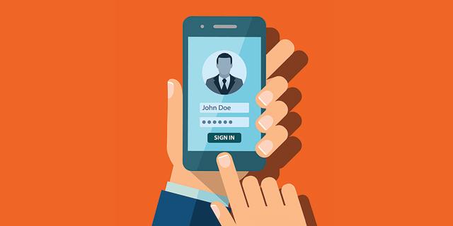 הרשמה לשירות מקוון בסמארטפון, צילום: שאטרסטוק