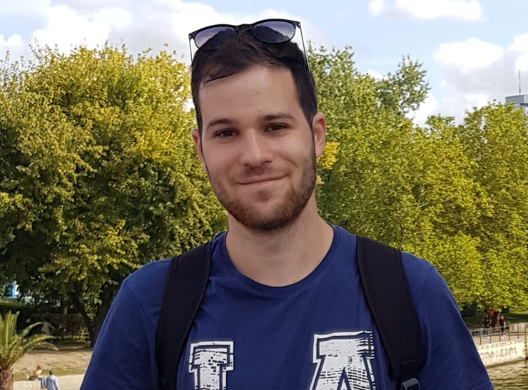 אורי כרמל, סטודנט לתואר ראשון בכלכלה ועקים באוניברסיטת חיפה