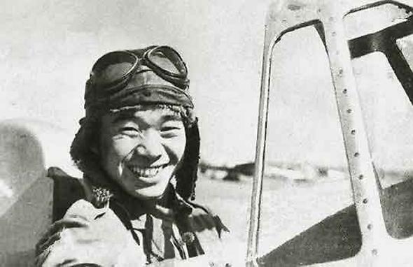 סאקאי בתא הטייס של ה-A5M, צילום: Wikimedia