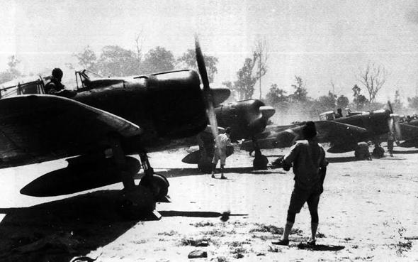 מטוסי זירו מוכנים להמראה, צילום: Wikimedia