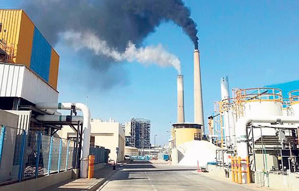 תחנת הכוח הפחמית באשקלון. הזיהום עלול להימשך