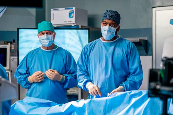 """""""המתמחה"""". בסדרות רופאים קו עלילה על הקורונה מתבקש יותר"""