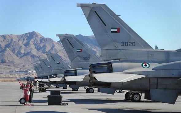 ליין מטוסי F16 של האיחוד, בבסיס חיל האוויר האמריקאי באריזונה