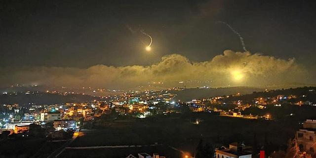 בתגובה לירי מלבנון: מסוקי קרב תקפו יעדי חיזבאללה