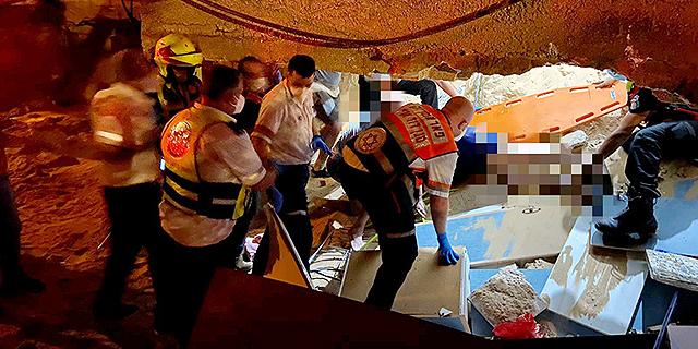 """אירוע קריסת התקרה בראשון לציון זירת הנדלן, צילום: תיעוד מבצעי מד""""א"""