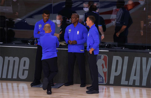 שופטי ה-NBA במחאה