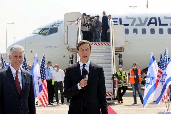 """ג'ארד קושנר, יועץ נשיא ארה""""ב, לפני המראת טיסת אל על אתמול לאבו דאבי"""