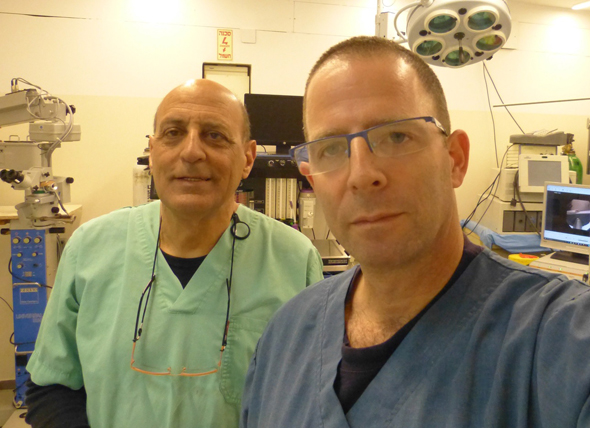 Vessi Medical CEO Eyal Kochavi (right) and cryogenics expert Moti Simchon. Photo: Vessi Medical