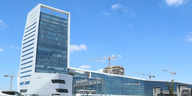 יסודות על הגג: תוכניות למגורים מעל חניוני מטרו