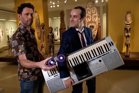"""מימין: תום אורן וארז טודרס. """"העניין זה ההקשבה לפרטנר, שאת זה לא כל מורה למוזיקה מלמד"""""""