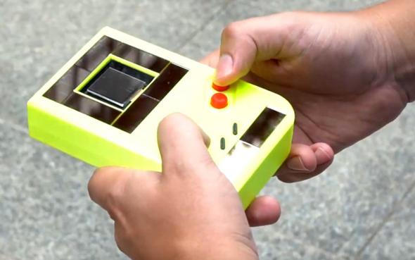 Game Boy ללא סוללות