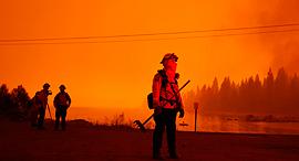 פוטו שריפות בקליפורניה 2020 כבאי אגם שייבר, צילום: איי פי