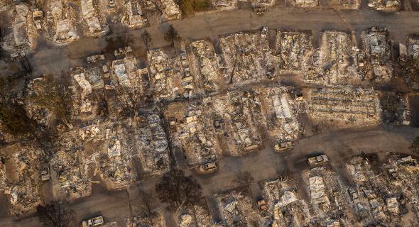 מתחם קרוואנים שנשרף בפניקס, אורגון, צילום: גטי