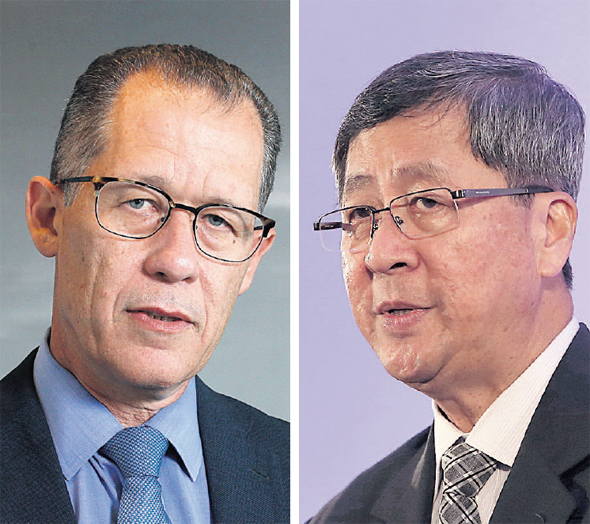 Rivulis chairman Gillon Beck (left) and Temasek chairman Lim Boon Heng. Photo: Amit Shaal, Chris Jackson