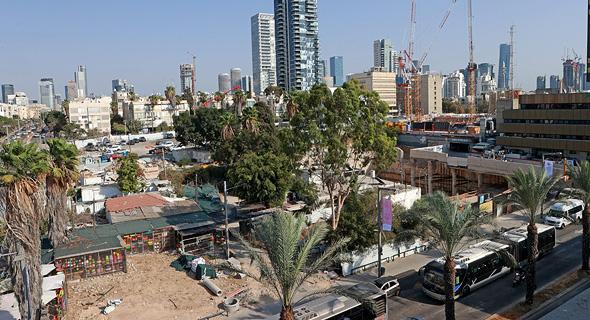 השטח במתחם סומייל. אפשרות לבניית בניין של 75 דירות, צילום: עמית שעל