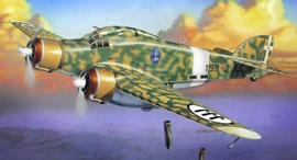 הקברניט הפצצה תל אביב מטוסים , צילום: scalemates