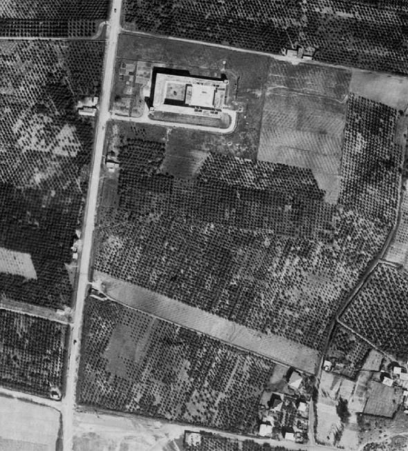 ניתן לראות את מבנה הטגארט לאחר בנייתו, צילום: ארכיון תצלומי אוויר בספריית יד אבנר, החוג לגאוגרפיה, אוניברסיטת ת״א