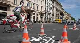 שביל אופניים חדש במילאנו, צילום: בלומברג