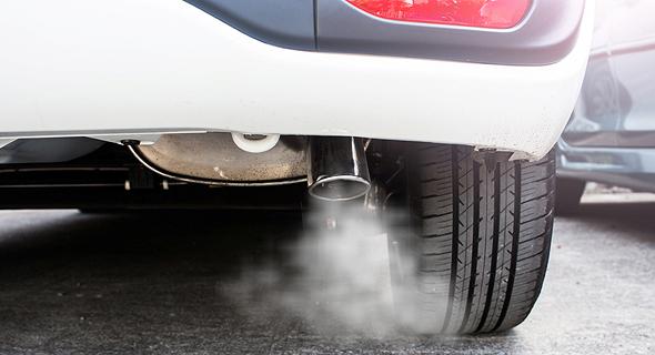 פליטת זיהום ממכונית. ההשפעה על ערי הלוויין לא נבחנה