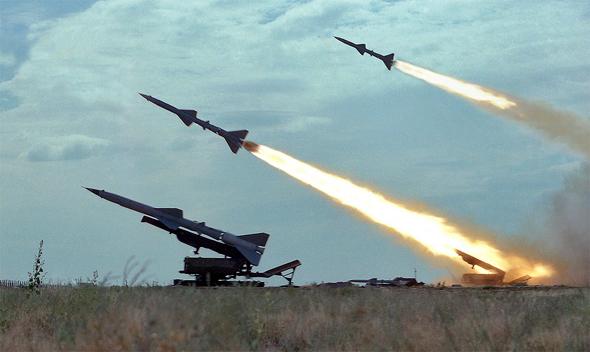 שיגור טילי S75 נגד מטוסים