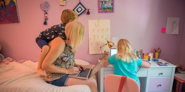 מחוברים מדי: כשהעבודה מהבית נכנסת לכם לחיים