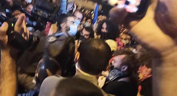 עימותים בכיכר פריז, ירושלים, צילום: חיים גולדיש
