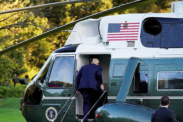 טראמפ בדרכו לאשפוז