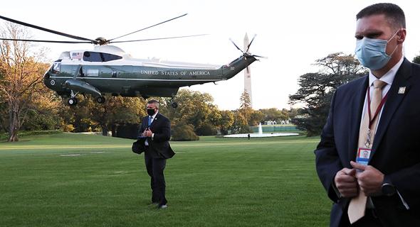 המסוק הנשיאותי מארין 1 ועליו טראמפ יוצא מהבית הלבן בדרך לבית החולים הצבאי וולטר ריד, צילום: רויטרס