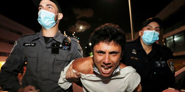 המחאה עלתה מדרגה: כ-40 נעצרו בעימותים בתל אביב