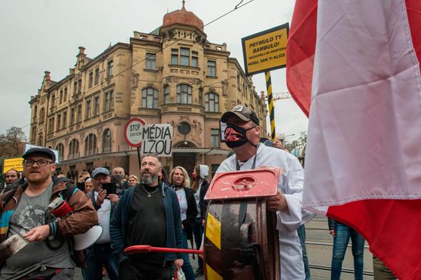 מפגינים בצ'כיה נגד ההגבלות