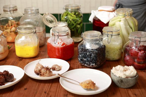 פירות וירקות מותססים במסעדת פרונטו, צילום: אוראל כהן