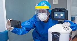 פוטו רובוטים בקורונה בית חולים מקסיקו סיטי, צילום: איי אף פי