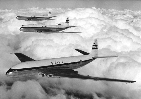 מטוסי קומט משייטים