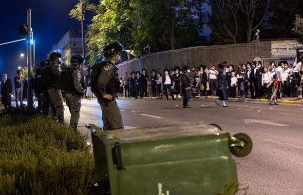 עימותים בשכונת מאה שערים, השבוע, צילום: אלכס קולומויסקי